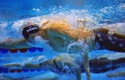 Swim-head-position-694x462